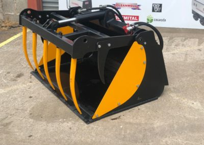 Bobcat-skid-steer-bucket-grab (1)